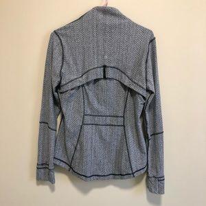 lululemon athletica Jackets & Coats - HP ✨ Lululemon   Grey Zip-up, size 12